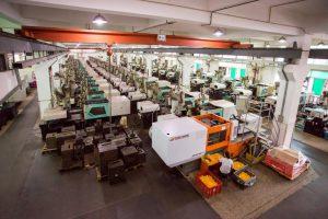 华隆玩具有限公司深圳工厂注塑车间采用的震雄MK6注塑机