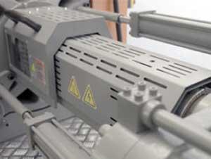 震雄高速注塑机SPEED | 平衡斜角双射移油缸设计, 满足极速射胶要求