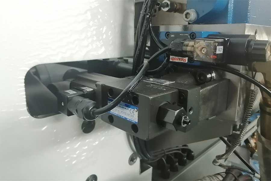 震雄 高速注塑机 SPEED 系列 , 精确液压技术
